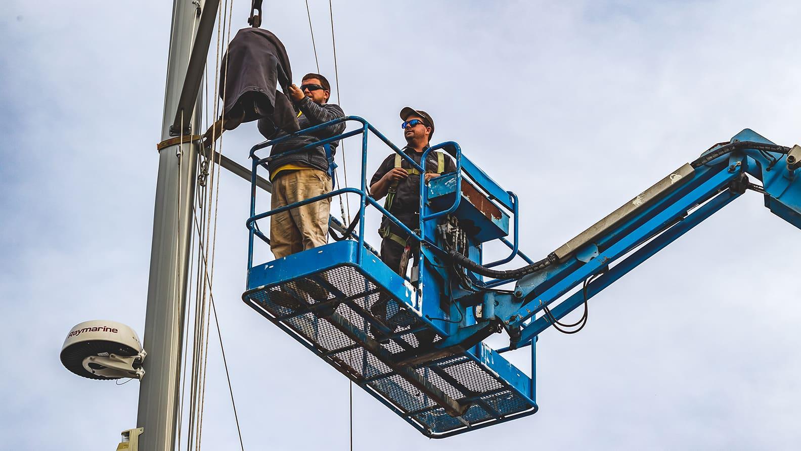 repairing mast